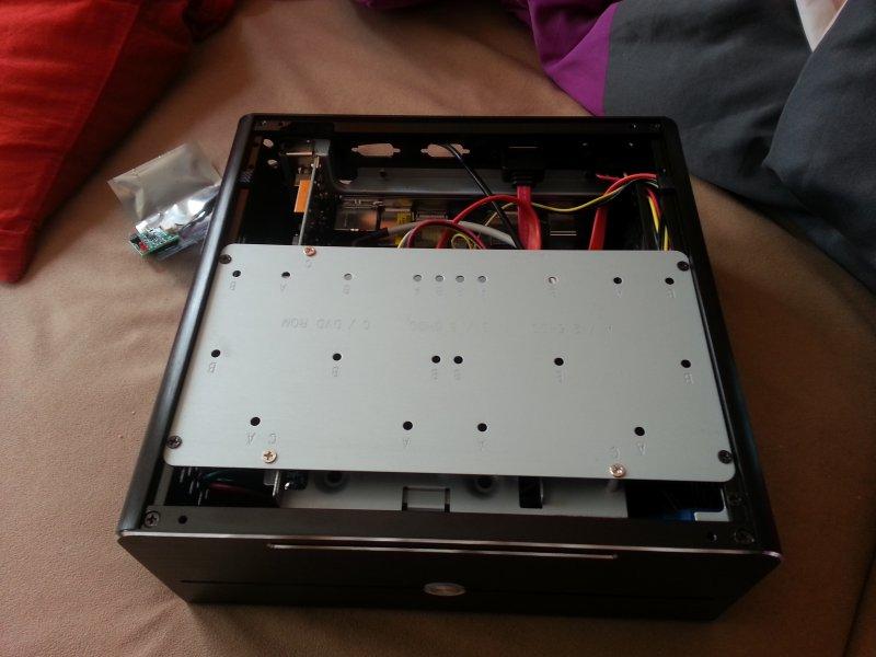 ODD und SSD Halterung verbaut